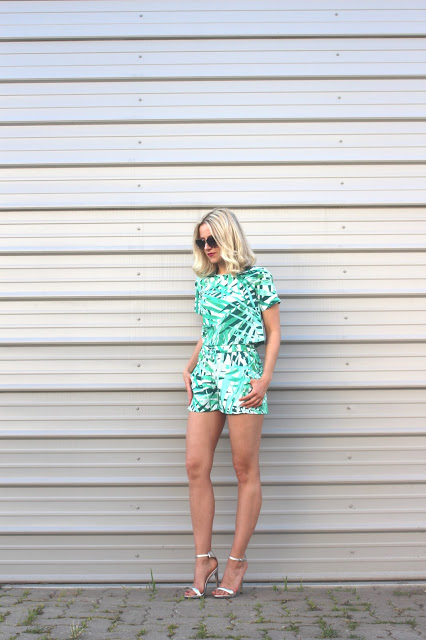 Palm Print Ivy Revel