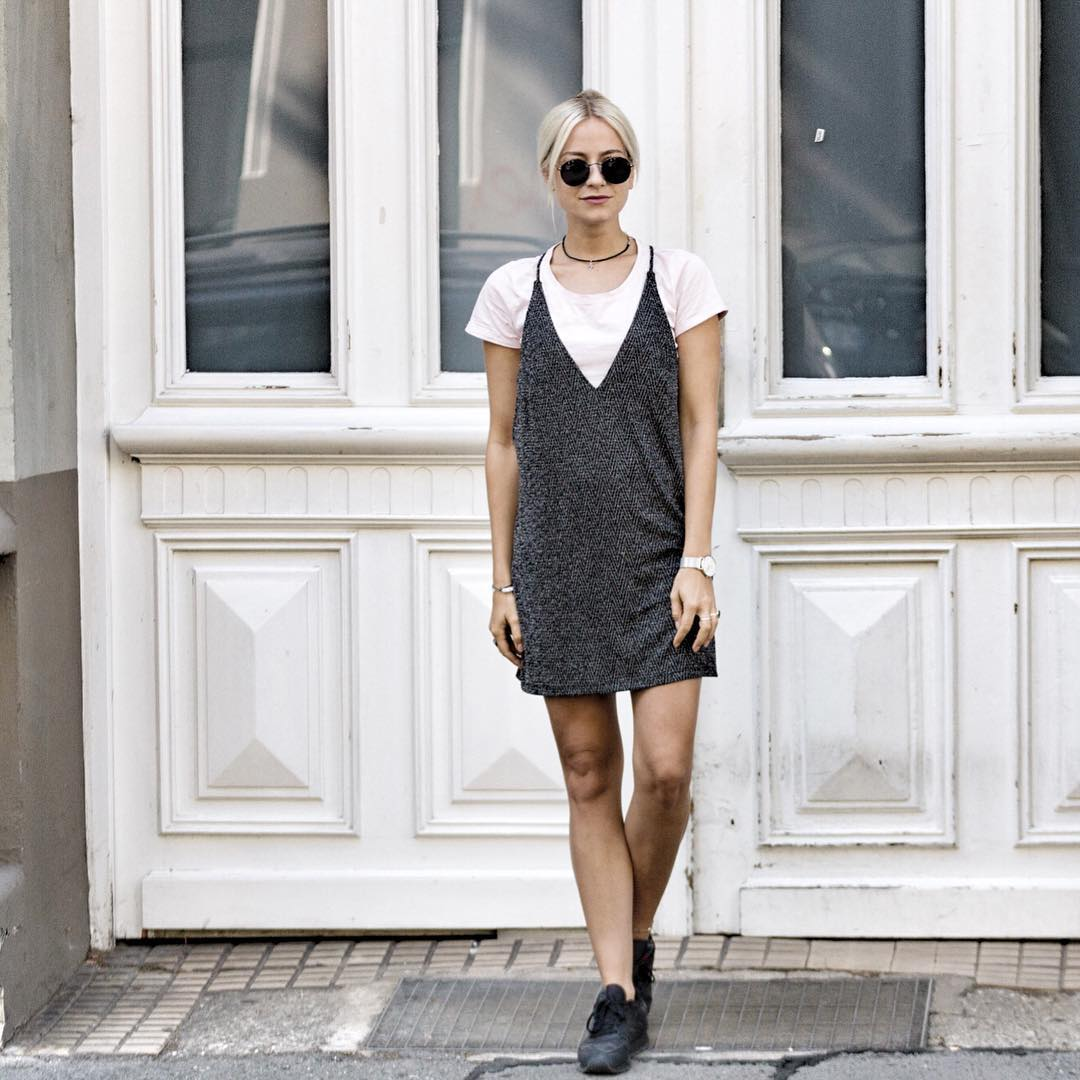 Blogpost goldencherryde  Dress via motelrocks