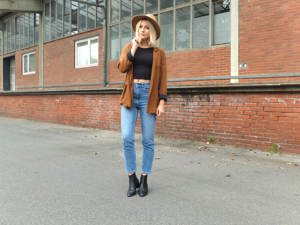 Autumn Outfit Inspiration with my high-waist jeans