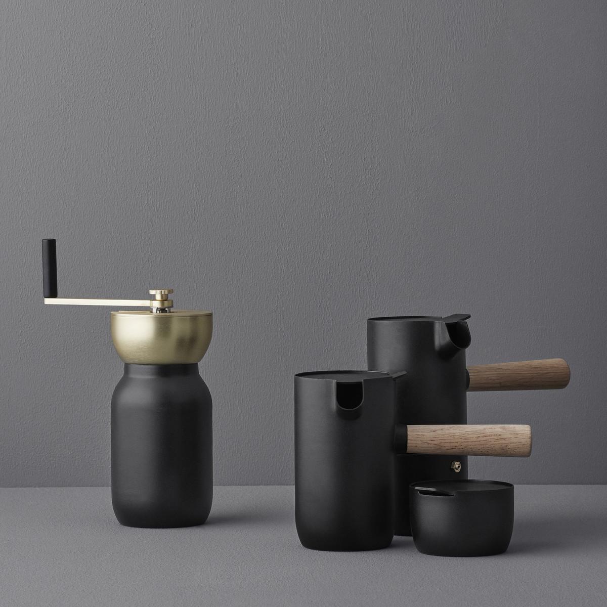 Stelton-Collar-Esspress-Milchkaenchen-Kaffeemuehle-Zuckerdose-Ambietn